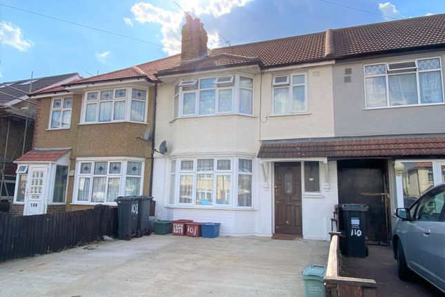 Thumbnail Semi-detached house to rent in Ash Grove, Heston, Hounslow