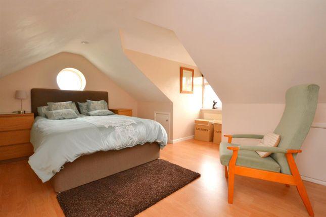 Master Bedroom (14)