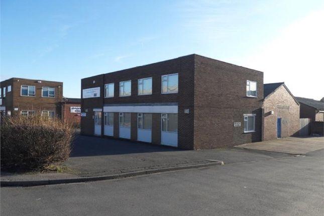 Office to let in Unit 9, Longlands Industrial Estate, Milner Way, Ossett, West Yorkshire
