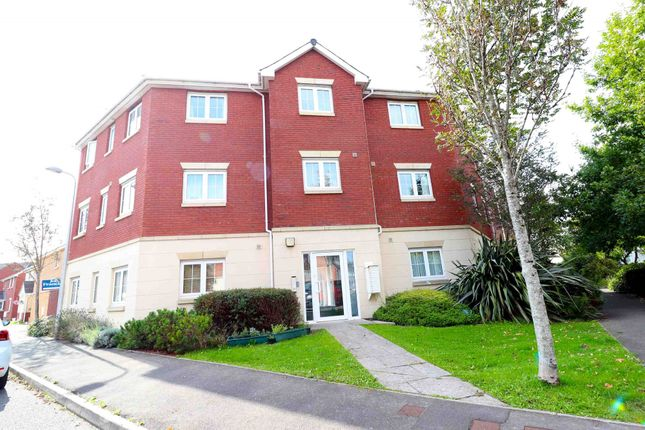 Thumbnail Flat for sale in Moorland Green, Swansea