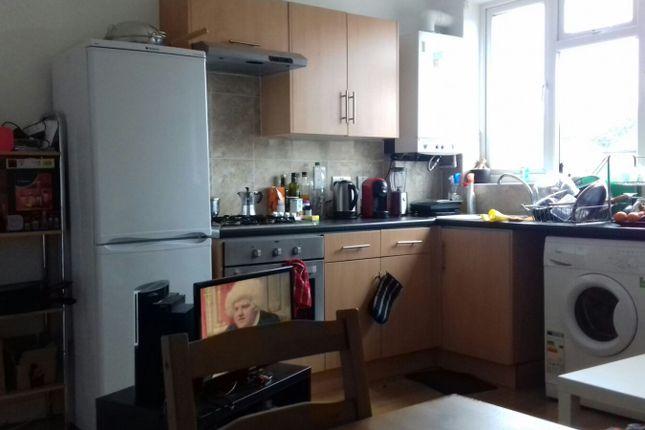 Thumbnail Duplex to rent in Roman Rd, Bethnal Green