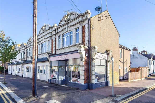 1 bed flat for sale in Glendale Gardens, Leigh-On-Sea, Essex SS9