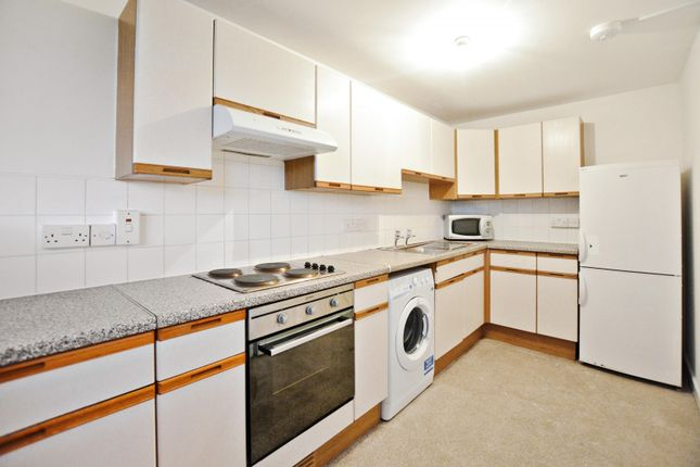 Thumbnail Property to rent in Crayford Road, London