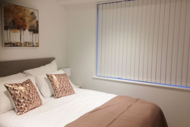 1 bed flat to rent in Pinnacle House, Kings Langley WD4