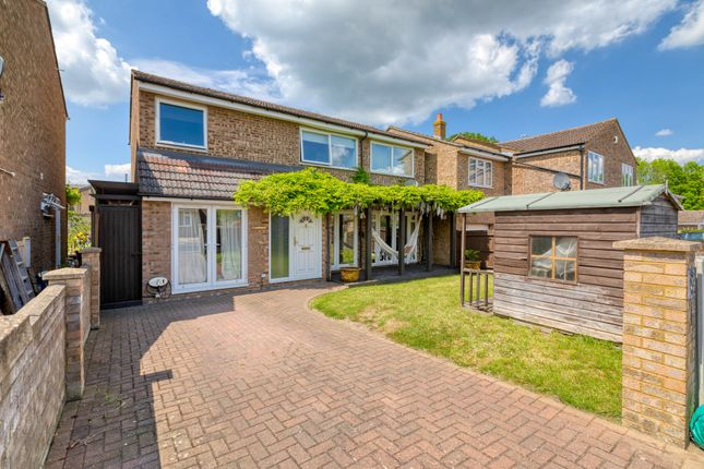 Thumbnail Detached house for sale in Vicarage Close, Arlesey, Beds