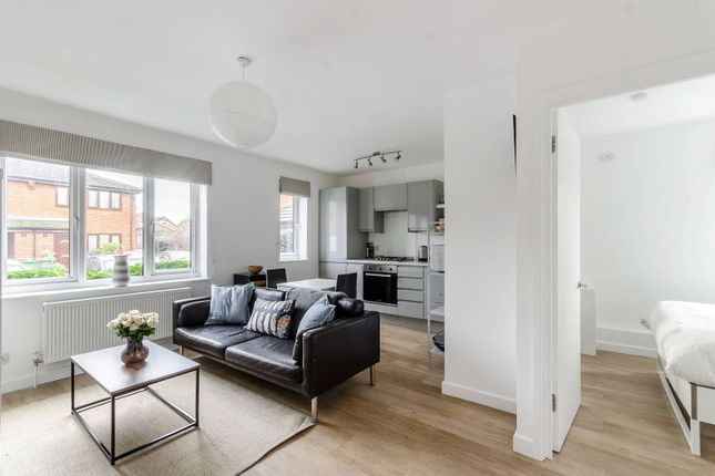 Thumbnail Flat to rent in Campbell Close, Streatham Park, London
