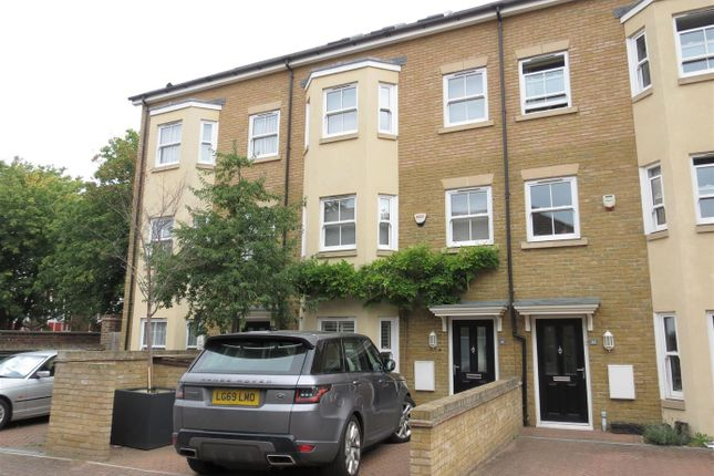 Thumbnail Property for sale in Aubyn Square, London