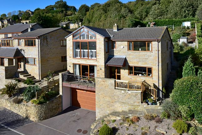 Thumbnail Detached house for sale in Daleside, Thornhill, Dewsbury