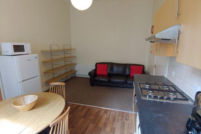 Thumbnail Flat to rent in Bank Street, Old Town, Edinburgh