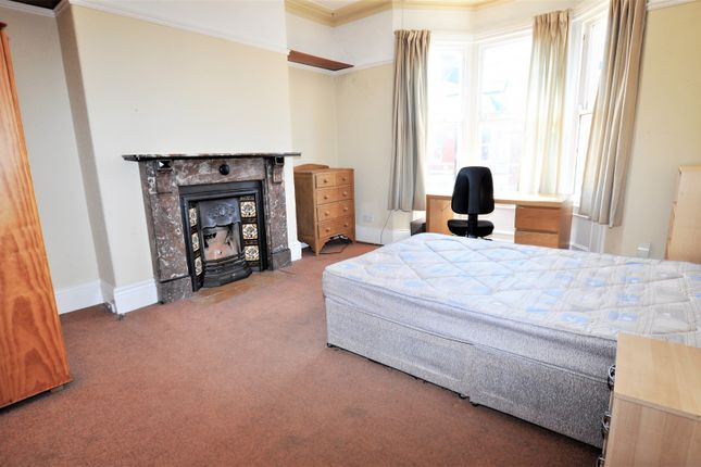 Bedroom 1 of Lavender Gardens, Jesmond, Newcastle Upon Tyne NE2