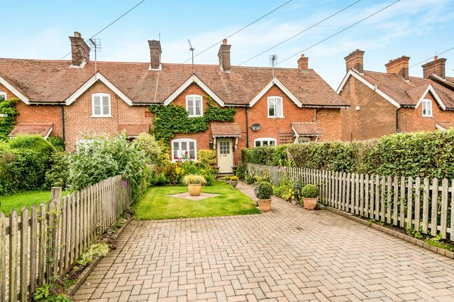 Thumbnail Property for sale in Little Twye Road, Buckland Common, Tring