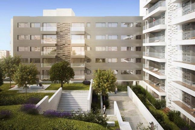 Thumbnail Apartment for sale in Benfica, Lisbon, Portugal