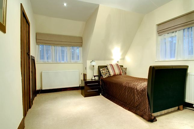 Bedroom of South View Road, Pinner HA5