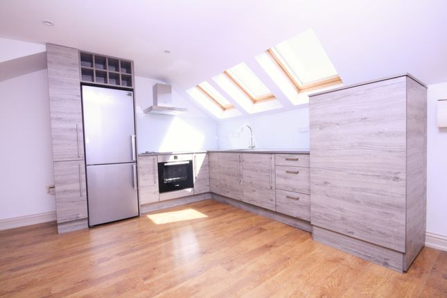 Thumbnail Duplex to rent in Median Road, Clapton