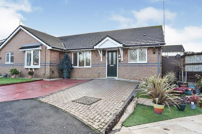 2 bed bungalow for sale in Tyrrell Grove, Hyde, Greater Manchester SK14