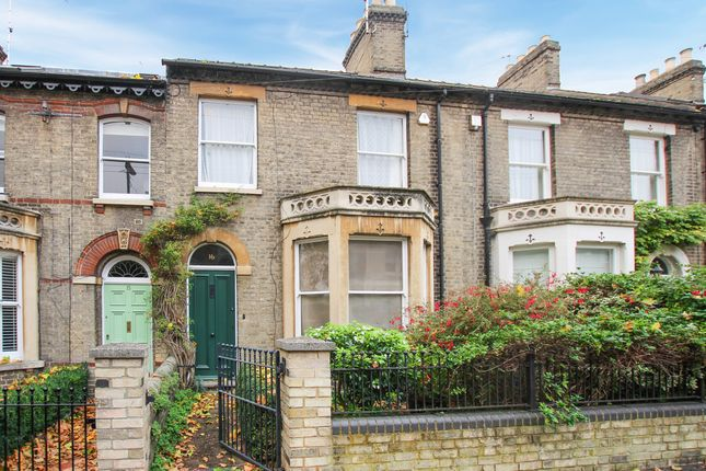 Thumbnail Terraced house for sale in Holland Street, Cambridge