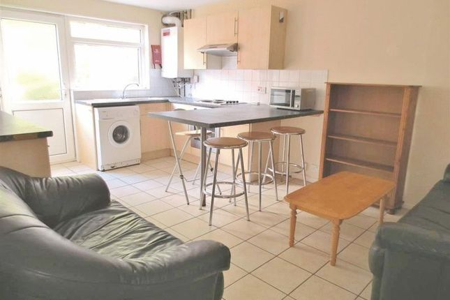 5 bed terraced house to rent in Broadfields, Brighton