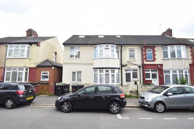 Thumbnail Property for sale in Holland Road, Luton