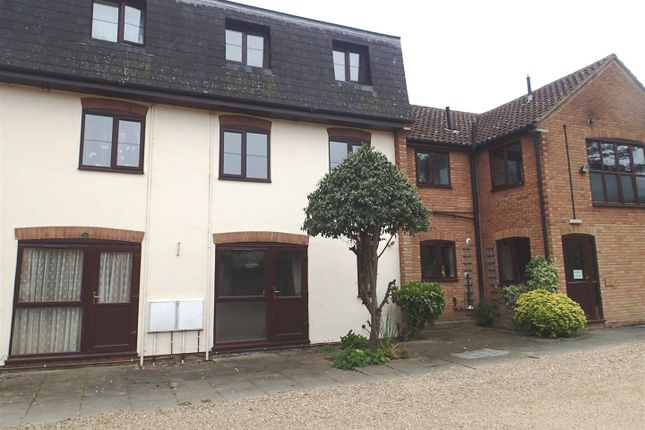 1 bed flat to rent in Darwood Court, St. Ives, Huntingdon