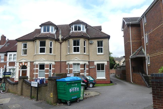 Thumbnail Studio to rent in Court Road, Shirley, Southampton