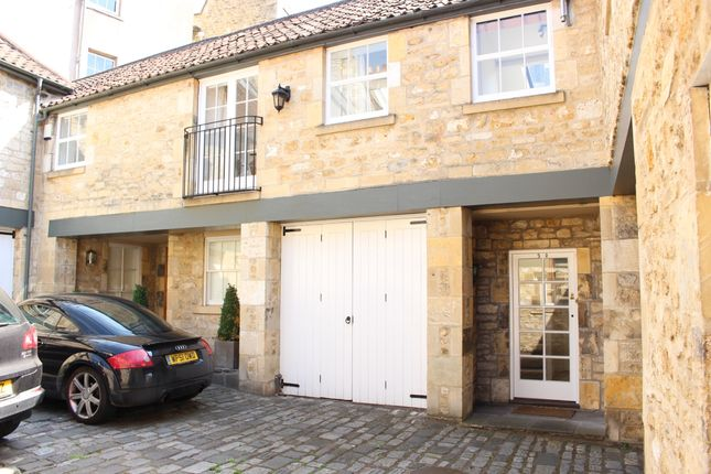 Thumbnail Mews house to rent in Circus Mews, Bath