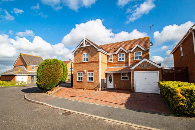 4 bed detached house to rent in Alexandra Road, Great Wakering, Southend-On-Sea SS3
