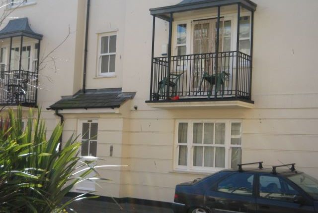 Parking/garage to rent in Russell Mews, Brighton, East Sussex