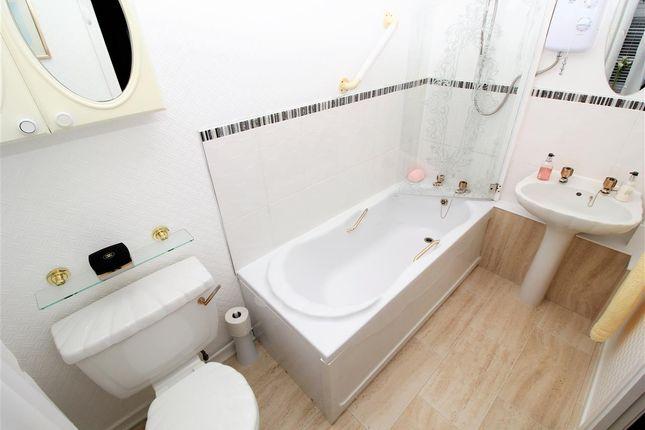 Bathroom of Bantaskine Street, Falkirk FK1