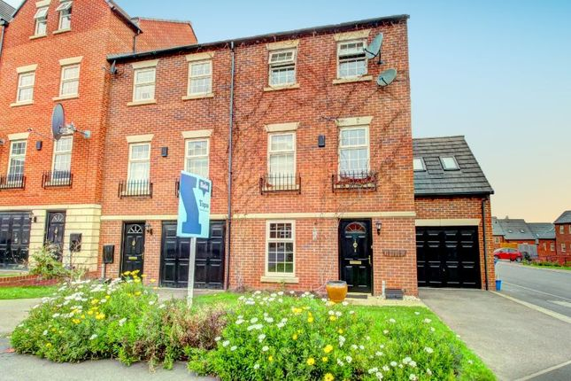 Thumbnail Town house for sale in Fay Crescent, Sheffield