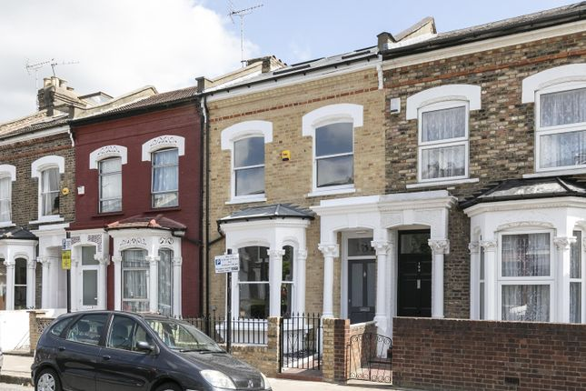 Thumbnail Terraced house for sale in Dynevor Road, London