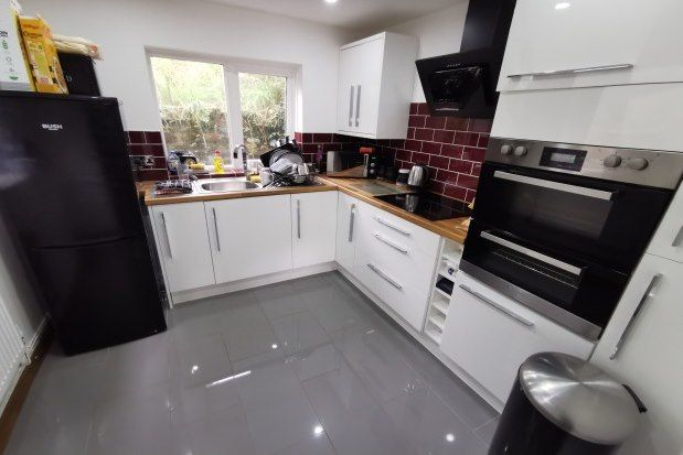 Thumbnail Terraced house to rent in Middle Road, Swansea