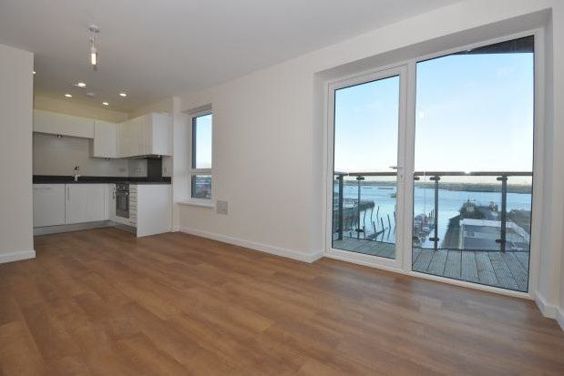 Flat to rent in The Boathouse, Gillingham