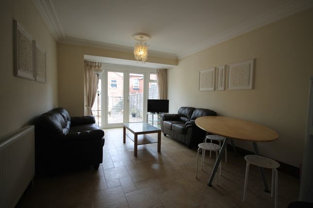 Thumbnail Terraced house to rent in Latimer Street, West End, Leicester