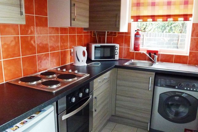Thumbnail Property to rent in Lancing Road, Sheffield
