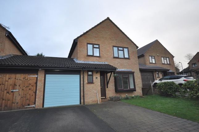 Thumbnail Detached house to rent in Middlefield Close, Buckingham