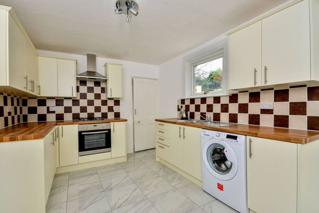 Thumbnail Property to rent in Elmdene Road, Woolwich