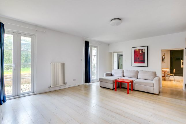 Thumbnail Maisonette to rent in Chepstow Crescent, London