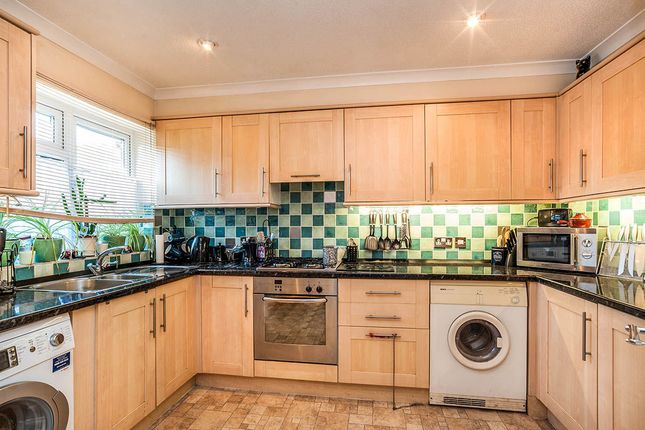 Thumbnail Semi-detached house for sale in Granville Dene, Bovingdon, Hemel Hempstead