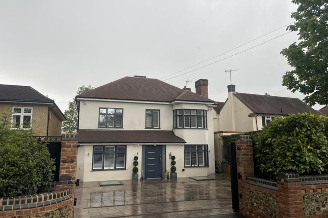 Thumbnail Detached house for sale in Kings Langley, Hertfordshire