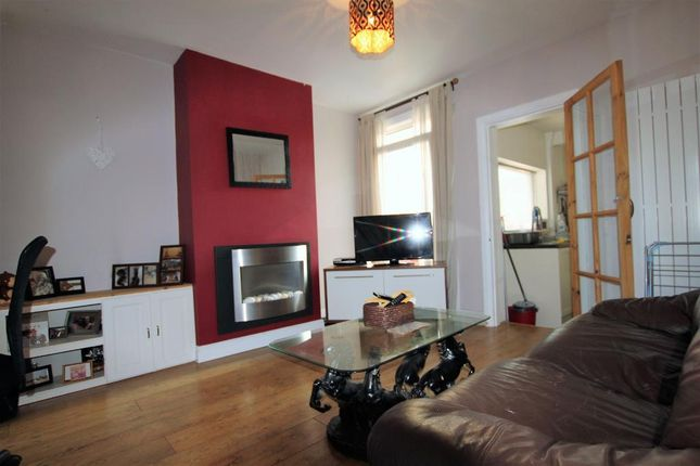 Thumbnail Terraced house to rent in Cecil Street, Watford, Hertfordshire