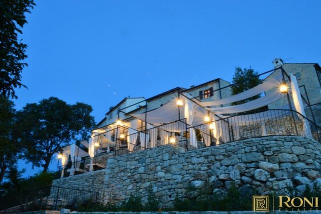 Thumbnail Villa for sale in Hp2065, Buje, Croatia