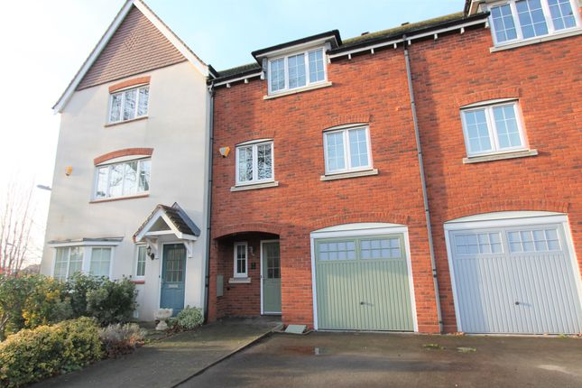 Thumbnail Town house to rent in Crowden Drive, Royal Leamington Spa