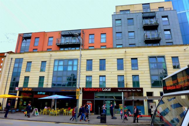 Thumbnail Flat to rent in Central Quay North, Broad Quay, City Centre, Bristol