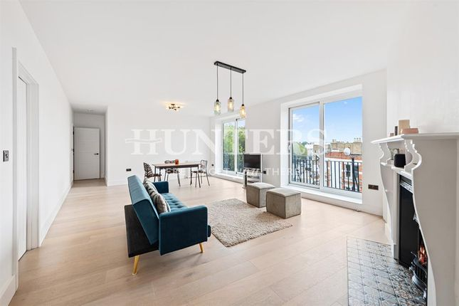 3 bed flat for sale in Cholmley Gardens, West Hampstead NW6