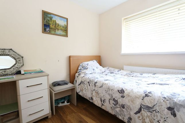 Thumbnail Semi-detached house for sale in Pinnocks Way, Oxford, Oxfordshire