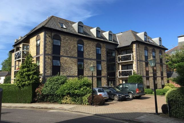 Thumbnail Flat for sale in Henty Gardens, Chichester