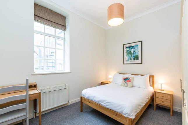 Thumbnail Flat to rent in Standen Road, Southfields, London