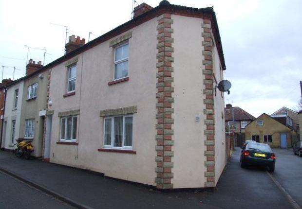 2 bed flat to rent in Crabb Street, Rushden, Northants