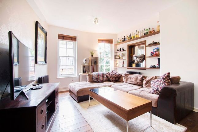 Thumbnail Flat for sale in Clifton House, Shoreditch