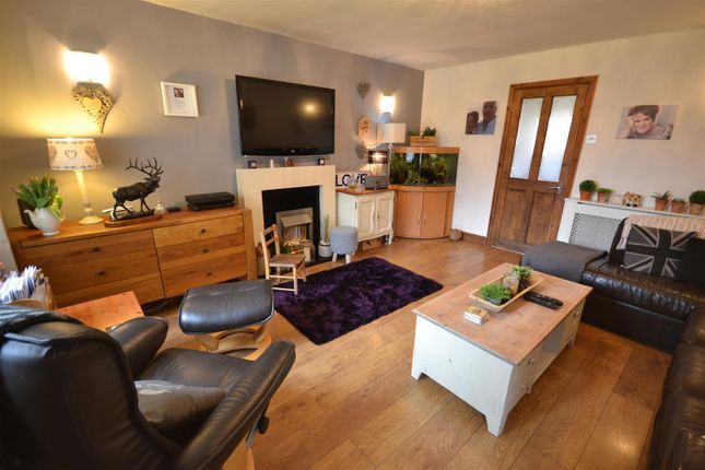 3 bed terraced house for sale in Gifford Walk, Stratford-Upon-Avon